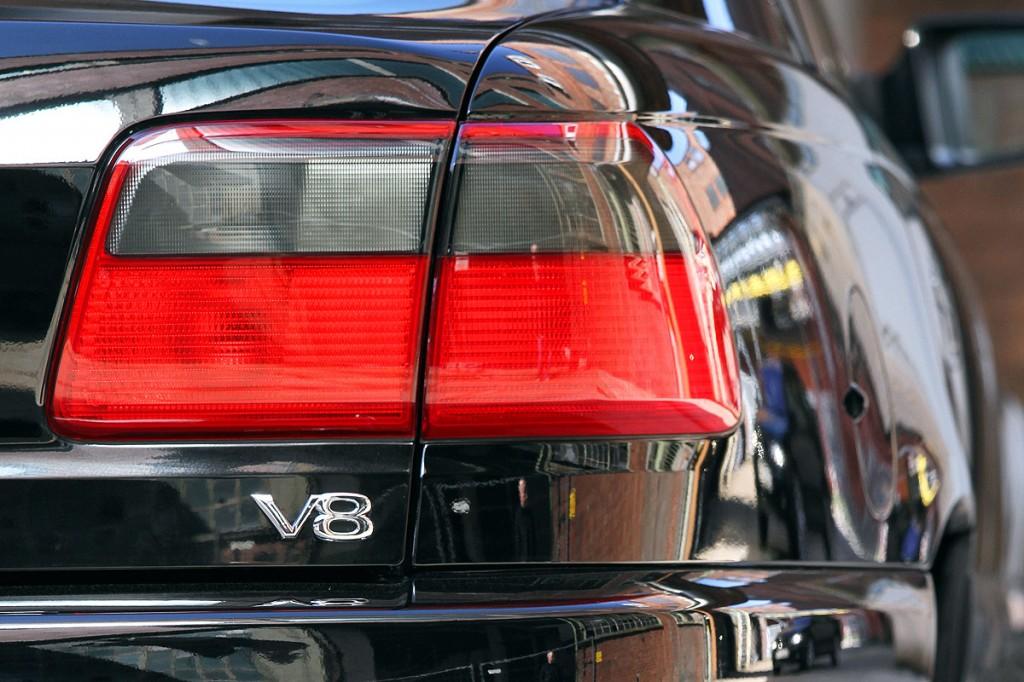Omega V8 | sechsender