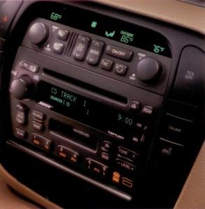 Cadillac-Catera-Radio